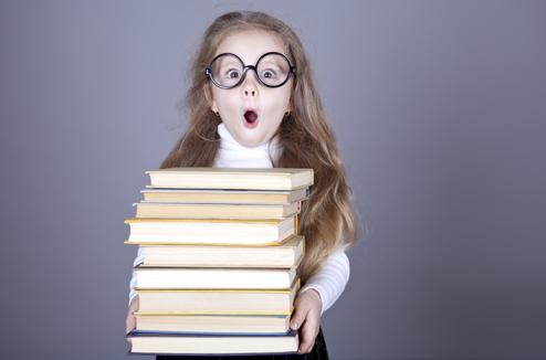 фото ребёнок с книгой