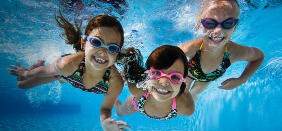 Где учить ребенка плавать: детские секции плавания в Минске